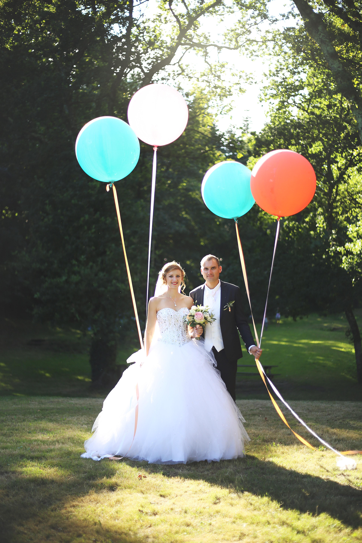 Mariage ballon mariés photographe morbihan bretagne