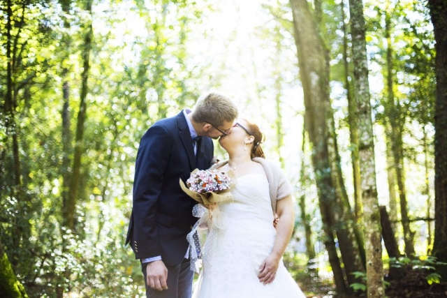 mariage séance couple amour forêt, photographe morbihan, bretagne
